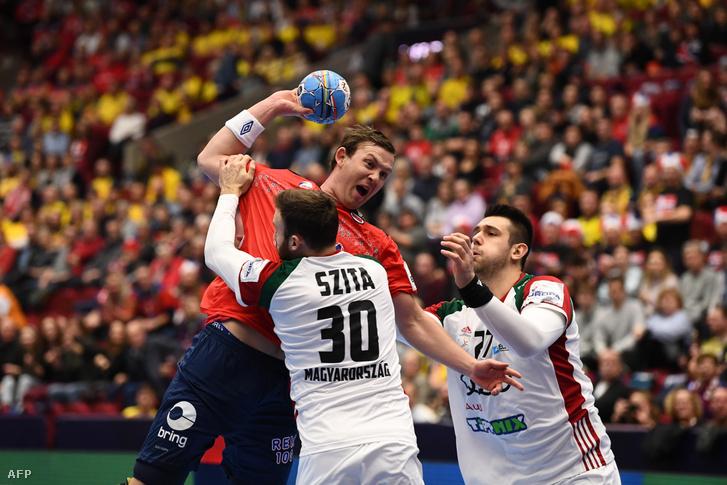 Sander Sagosen blokkolja Szita Zoltán a Norvégia - Magyarország mérkőzésen