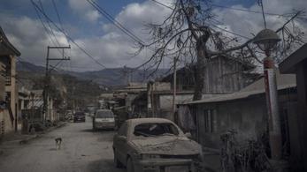 Új módszert találtak ki a vulkáni hamu eltakarítására a Fülöp-szigeteken