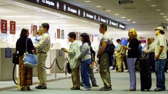 Az amerikai reptereken szűrni fogják a Kínából érkezőket az új tüdőgyulladás-vírus miatt
