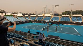 Federer az AusOpen szervezőit bírálja a füst miatt