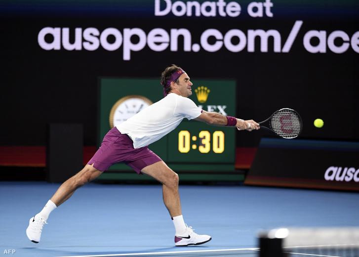 Federer január 15-én jótékonysági meccseket játszott az ausztráliai bozóttüzek áldozatainak megsegítésére