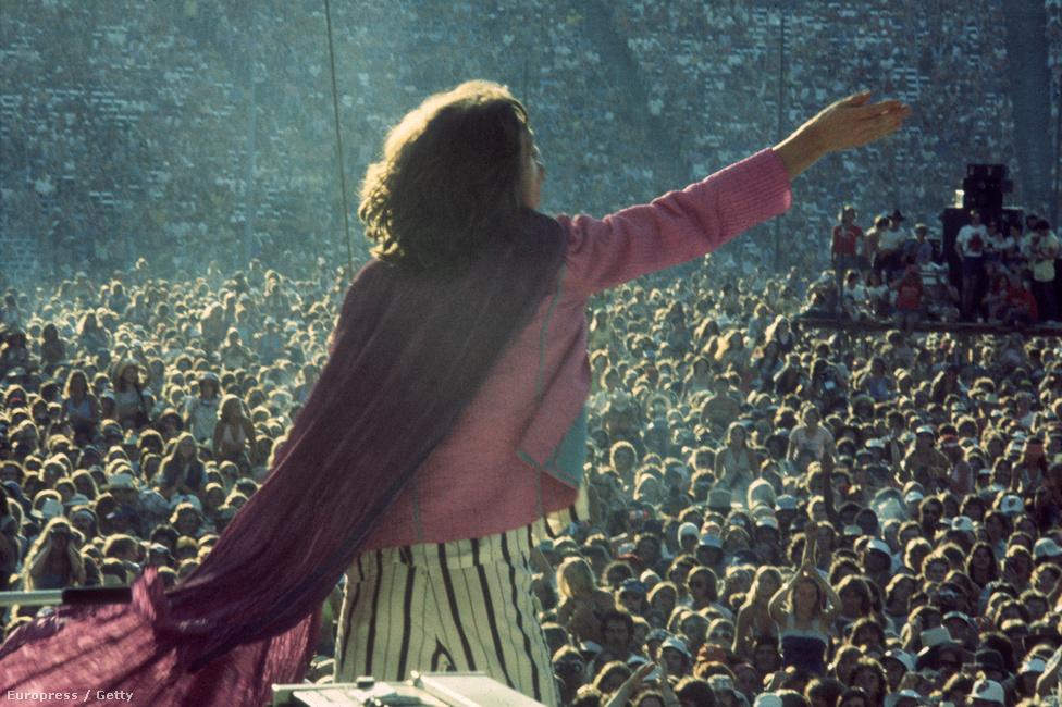 Mick Jagger és a közönség 1975-ben.