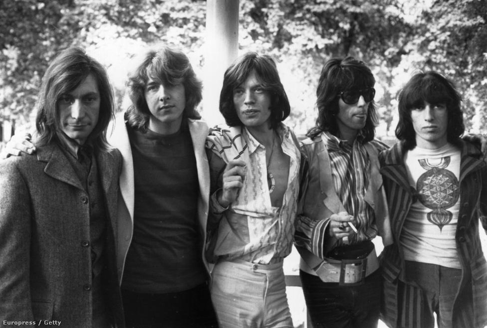 A Rolling Stones 1969-es felállása Mick Taylor gitárossal (balról a második). Taylor öt évig volt a csapat tagja, de Keith Richards szerint soha nem illett igazán közéjük, bármennyire is jó zenész volt. Taylor amúgy Richards életvitelét és szerzőként való háttérbe szorítását nevezte meg kilépése okának.