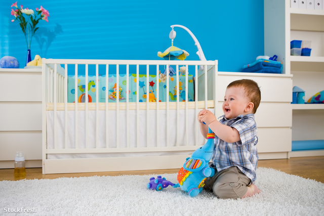stockfresh 521417 baby-playing-at-home sizeM