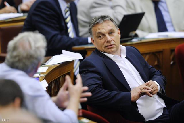 Budapest 2012. július 9. Orbán Viktor az Országgyűlés plenáris ülésén.