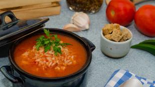 Még egy ellenállhatatlan leves: kókusztejes paradicsomleves barna rizzsel