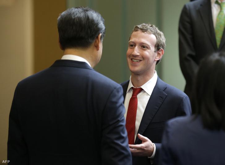 Mark Zuckerberg és Hszi Csin-ping találkoztak 2015-ben a Microsoft kampuszán Washingtonban