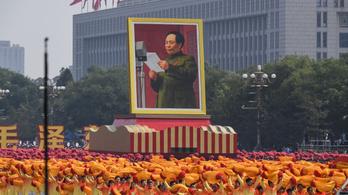 Tízezreket büntetett a Kínai Kommunista Párt hedonizmusért és extravagáns viselkedésért