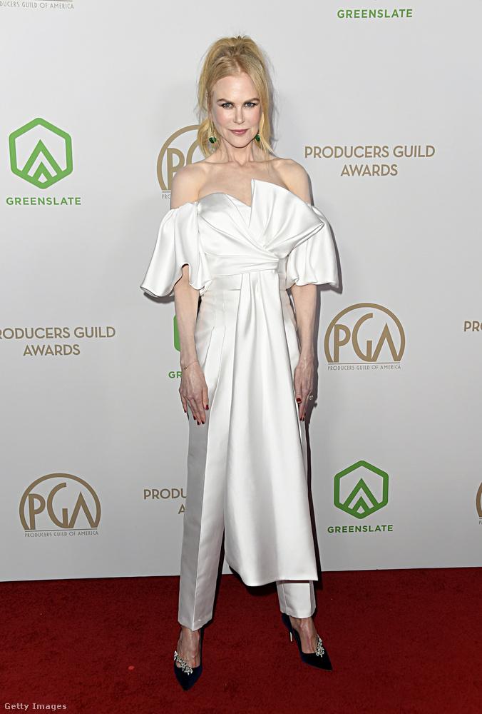 Nicole Kidman is jelen volt, az ő ruhájára sem tudjunk túl sok jót mondani