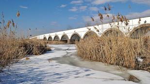 Ezért épült meg a Kilenclyukú híd a Hortobágyon