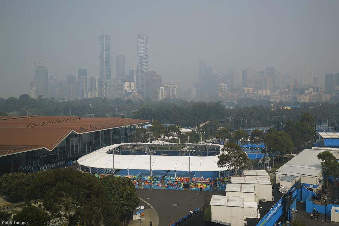 Melbourne városa füstködben áll az ausztráliai bozóttüzek miatt 2020. január 14-én
