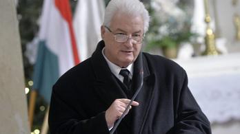 Csuka Tamás református lelkész szerint a Helsinki Bizottság csótányokat csempészett a váci fegyházba