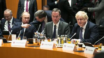Boris Johnson figyelmeztette Putyint, hogy elég volt a vegyi fegyverekből