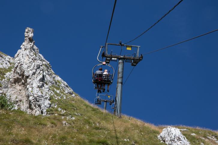 A Bubotov Kuk tetejére olyan fél óra a felvonó, meg még ugyanennyi gyalog az állomástól a csúcsig.