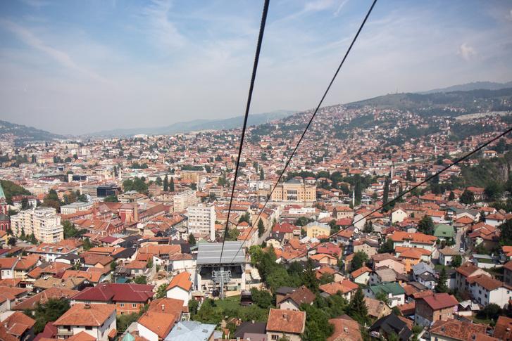 A lanovka Szarajevó egyik jelképe, ne hagyják ki.