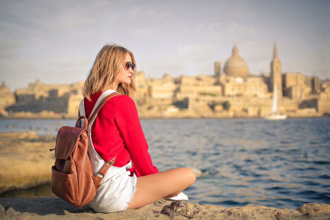 2100x1400 Valletta with girl in red