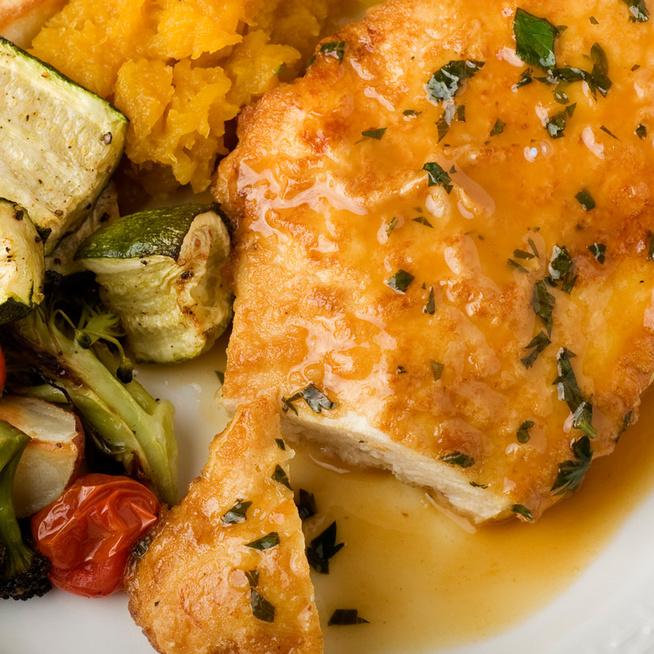 Citromos, petrezselymes bundában sült csirkemell: omlós és isteni finom