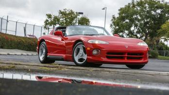 86 millióért kelt el a legelső Dodge Viper