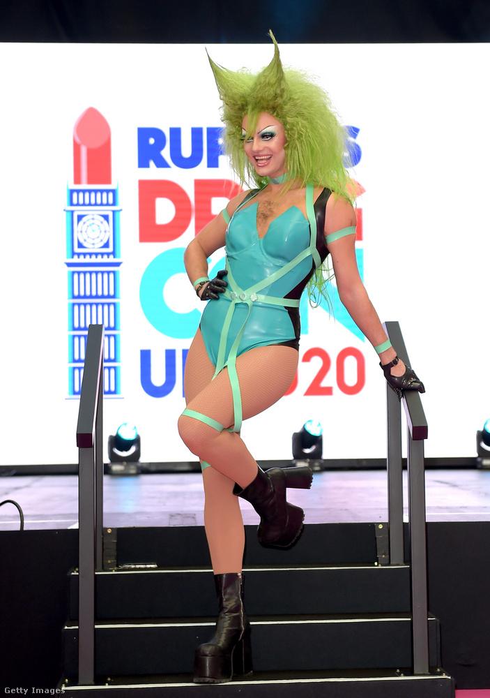 Amint a háttérből látszik, ezek a képek a RuPaul's Drag Con UK nevű eseményen készültek