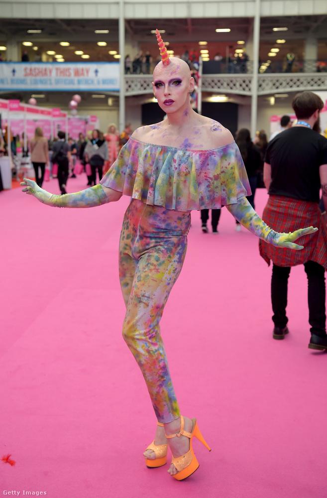 A Drag Con természetesen nemcsak olyan drag queenek előtt áll nyitva, akik szerepeltek a tévéműsorban