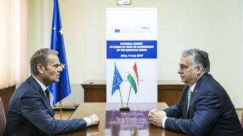 Halaszthatja a döntést a Néppárt a Fidesz tagságáról