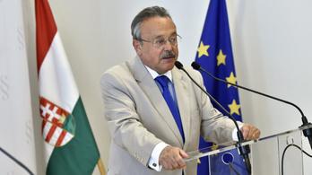 A kamara határozottan visszautasítja Orbán Viktor ügyvédek ellen intézett támadását