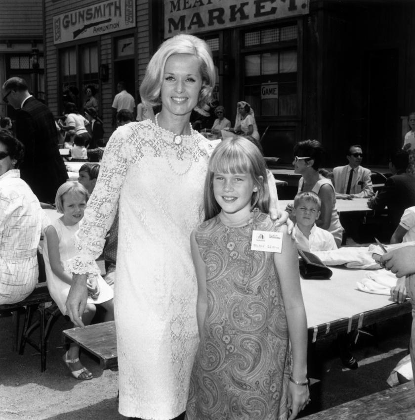 Melanie Griffith és édesanyja 1966-ban.