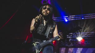 Fiatalkorúakkal való szexuális kapcsolattal vádolják a Ministry gitárosát