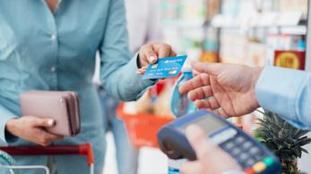 Egy benzinkutas rájött, hogy csalhat bankkártyás fizetésnél