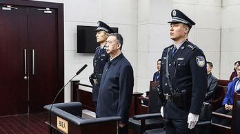 13 év börtönre ítélték az Interpol korábbi vezetőjét Kínában