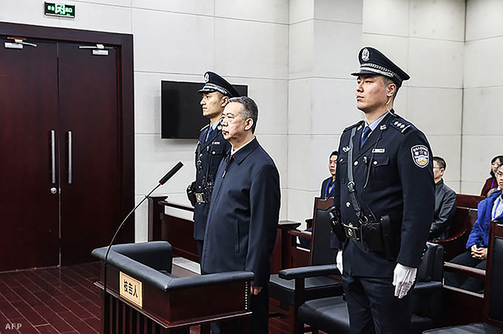 Bírósági felvétel Meng Hung-vejről Tianjinban 2020. január 21-én