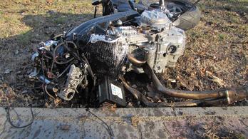 A motoros száguldott, az autóst ítélték el? Miért?