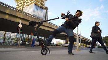 A jövőben talált tárgyakként kezeli az erzsébetvárosi önkormányzat az elhagyott e-rollereket