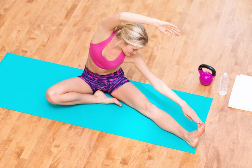 A legerősebb zsírégető mozgásnak tartják: kettlebelledzésterv kezdőknek - Otthon is elvégezhető