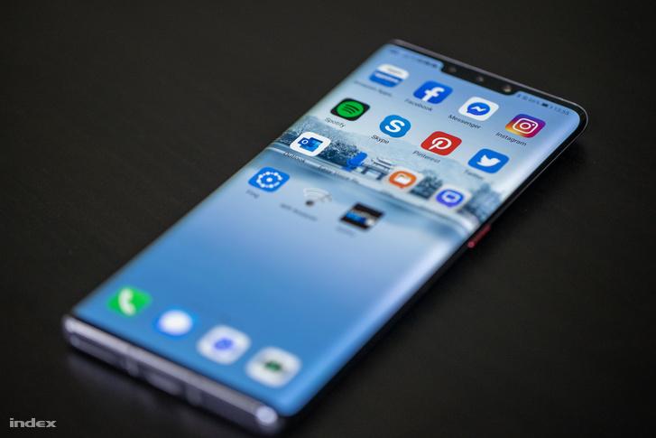 Az első lépés, amit javasolni tudok a bátor felhasználóknak, ha esetleg hazánkban is kapható lesz a Mate 30 Pro, az az Amazon Apps appbolt telepítése. Itt hozzájutunk pár alapeszközhoz, többek közt a Facebook, Messenger, Twitter, Instagram, Pinterest és Spotify appokhoz.