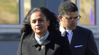 Amikor az elnök lánya és a veje kirabolják az országot