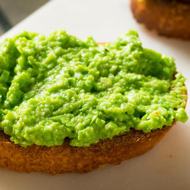 Édeskés, krémes zöldborsópesto: szendvicsre, tésztára vagy mártogatósnak