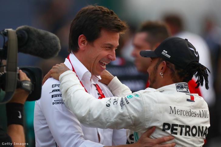 Toto Wolff és Lewis Hamilton