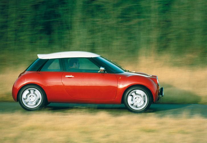 Az ACV30 koncepció is 1997-ben jelent meg, és a BMW egyik ötletéből dolgozták ki, de csak a műszerfala utalt arra, milyen lesz a végleges