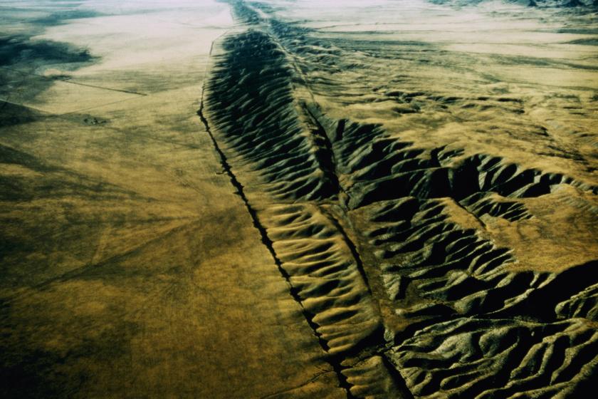 Bámulatos képeken a hely, ahol kettészakadt a Föld: a törésvonal napról napra nő