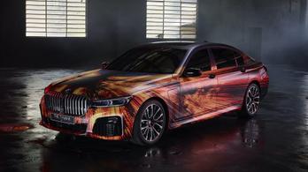 Művésszel társult a BMW, ez lett az eredménye