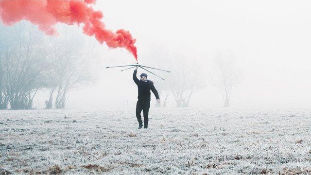 Füstbombás forgatás izgalmas kameramozgásokkal