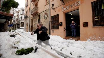 Nyolcra emelkedett a spanyol Gloria vihar áldozatainak száma
