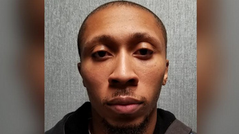 Nemi erőszakkal és átfertőzéssel vádolják a HIV-pozitív volt rendőrt