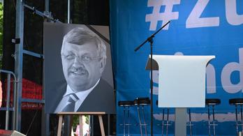 Betiltottak egy neonáci csoportot, aminek köze lehet egy német politikus meggyilkolásához