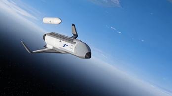A katonai kísérleti programból is kiszállt a Boeing