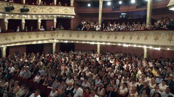 Egy nyest zuhant a nézőkre a Miskolci Színházban
