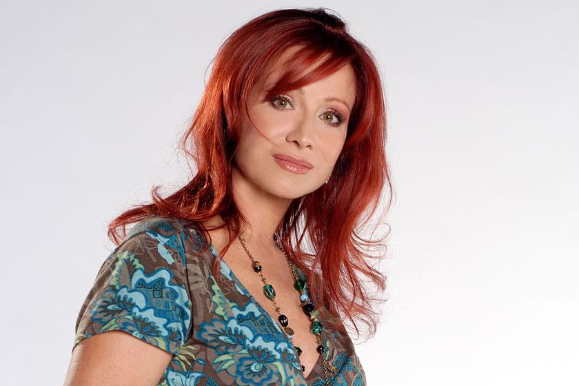 2003-tól 2011-ig vezette az RTL Klub Reflektor című műsorát. Ekkor már vörös volt a haja.