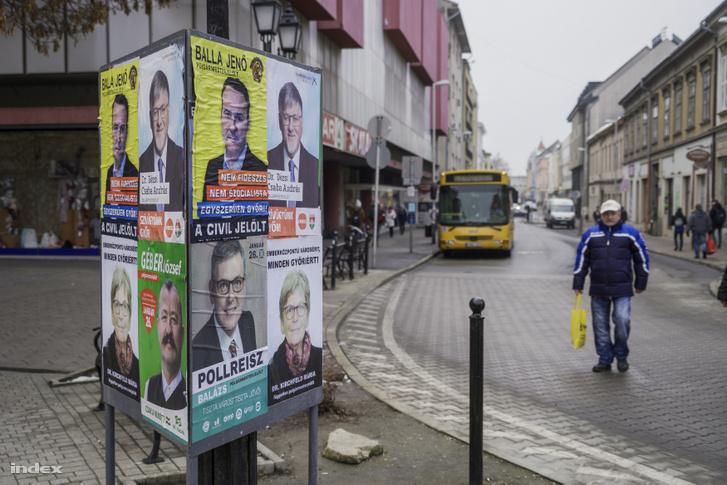 Választási plakátok Győrben