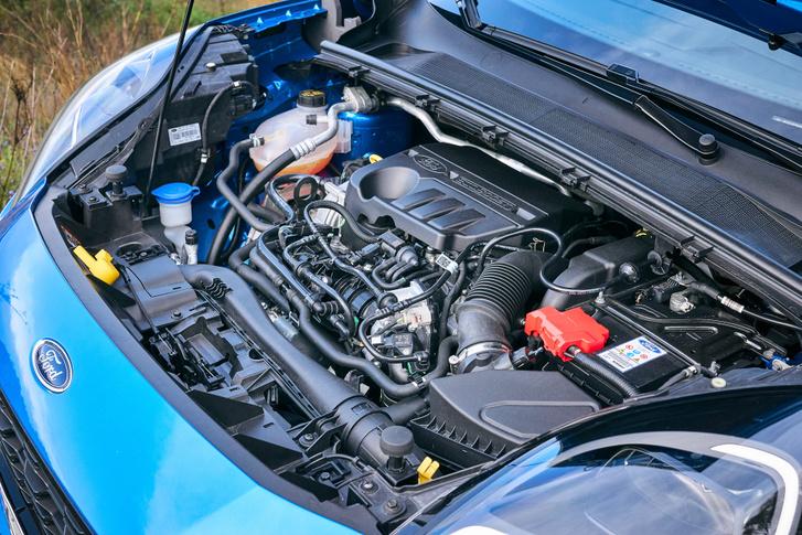 A 125 lóerős motor kapható hibrid nélkül is, ez lesz itthon az alapváltozat, gyári minimum átlagfogyasztása 5,7 liter/100km a WLTP szabvány szerint